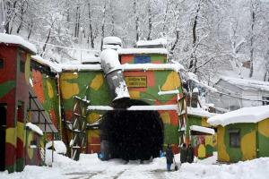 Jammu-Srinagar highway reopened for vehicles stra...