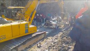 Two killed as boulder hits vehicle on Jammu-Srina...