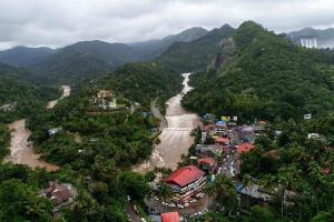 Rains batter North Kerala, 30,000 people in relie...