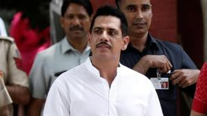 Delhi HC seeks Robert Vadra