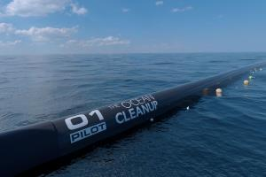 Floating pipe to start collecting plastic in Paci...