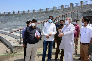 Advisor Khan takes stock of renovation works at B...