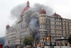 Pakistan court temporarily halts Mumbai attack ca...