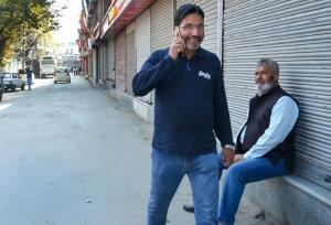 Hello Kashmir: Kashmiris delighted as post-paid m...