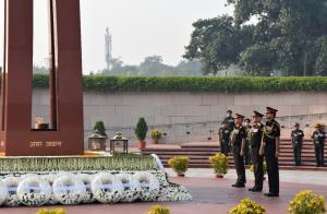 CDS, Army Chief lay wreath at National War Memori...