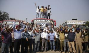 Private transporters strike against toll plaza in...