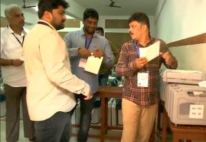 Karnataka bypolls: Counting of votes begins; resu...
