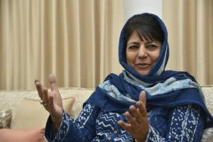 Mehbooba Mufti greets people on annual urs of Kha...