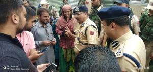 J&K Police chief visits south Kashmir districts, ...