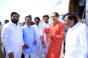 Uddhav Thackeray, son Aditya arrive in Ayodhya