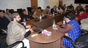 Hurriyat Conference bats for Indo-Pak dialogue to...
