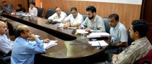 Div Com Jammu reviews status of Jammu-Akhnoor, Su...