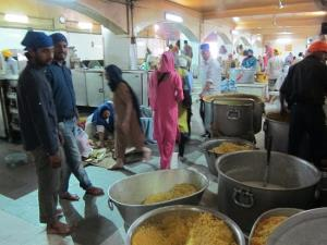 Community kitchen in Delhi Gurdwaras to switch to...
