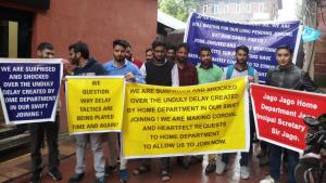 Selected J&K SI candidates protest over delay in ...