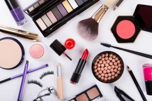 Chemicals in cosmetics, toothpaste put women at a...