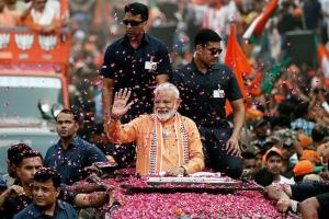 After mega Varanasi roadshow, PM joins Ganga aart...