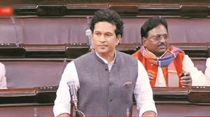 Tendulkar urges Gadkari to act against fake helme...