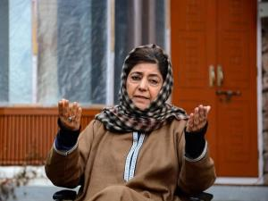Mehbooba Mufti arrives in Jammu on week-long visi...