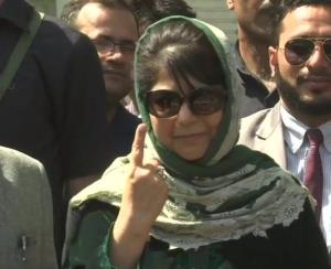 Low voter turnout may hit Mehbooba Mufti