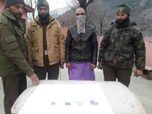 Sapphire smuggler arrested in Ramban
