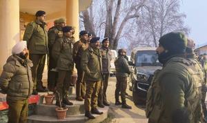 DGP Dilbag Singh compliment Srinagar Police for b...