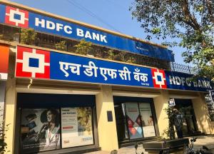 RBI asks HDFC Bank to stop launch of digital acti...