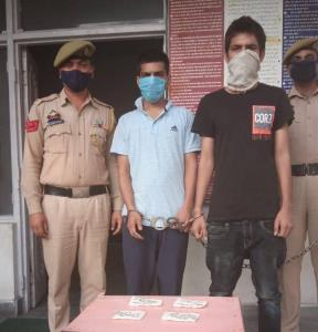 Three drug peddlers arrested with heroin
