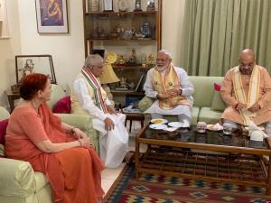 Modi, Shah meet Murli Manohar Joshi