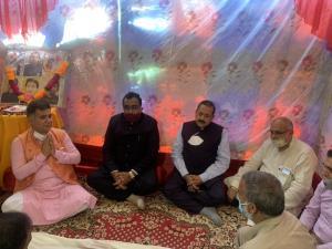 Ram Madhav visits slain BJP leader