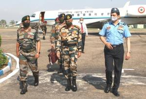 Army Chief in Jammu to review operational prepare...